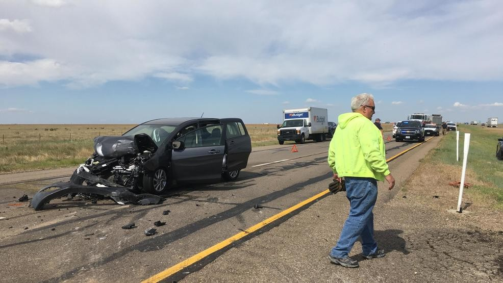 Crash on I-40 at Carson Co  line sends woman, small children