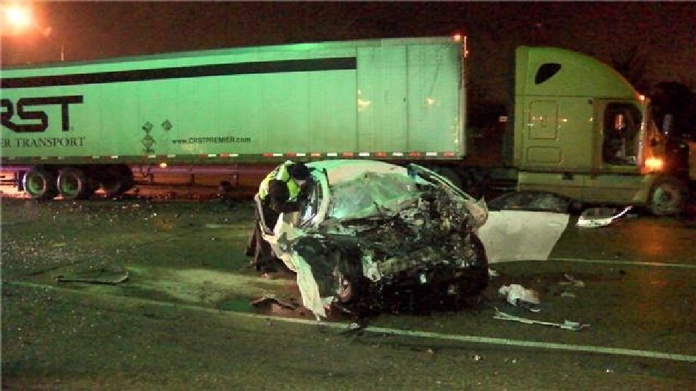 One killed in early morning accident on I-27 | KVII